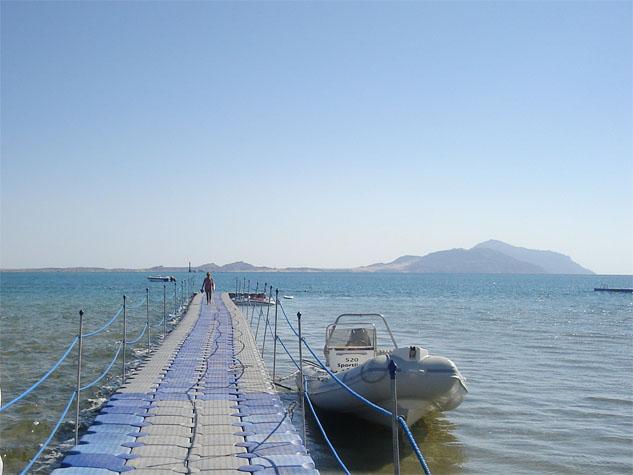 http://monami-travel.com/images/stories/gallery/sinai/jetty.JPG